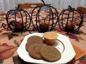 Spiced Cookies with Pumpkin Dip